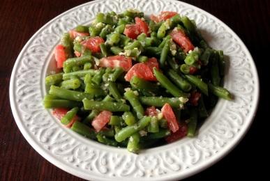 Judías verdes con pomelo y frutos secos