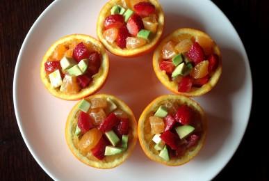 Ensalada de naranja, fresas y aguacate