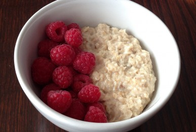 Porridge de avena con frambuesas