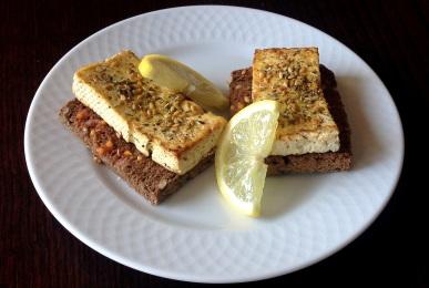Tostas de tofu al limón